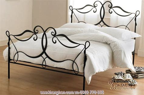 bending iron art bed luxury italian style