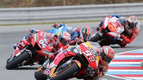 Hasil lengkap latihan bebas kedua motogp italia. Hasil Kualifikasi MotoGP Inggris 2019 Silverstone: Marc ...