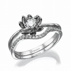 flower engagement set in white gold with diamonds With flower wedding ring set