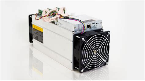 They are able to mine bitcoin at a higher hash rate. Best ASIC devices for Bitcoin mining in 2018 | Trabilo ...