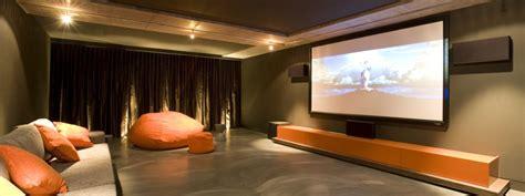 entrepreneur renovation sous sol cinema maison montreal