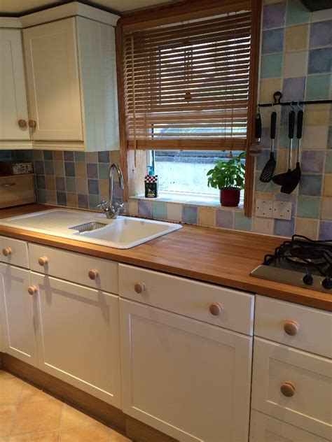 Used Magnet Cream Shaker Kitchen   Block Wood worktop