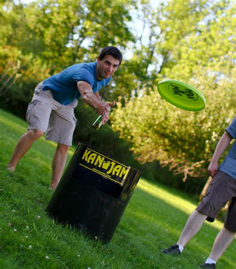 Backyard Frisbee by Kanjam