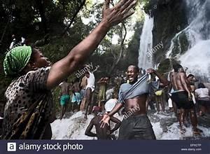 Un Saut D Eau : festival de vud de saut d 39 eau hait cerca de las ~ Dailycaller-alerts.com Idées de Décoration