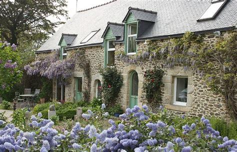 chambre toute blanche les maisons typiques bretonnes