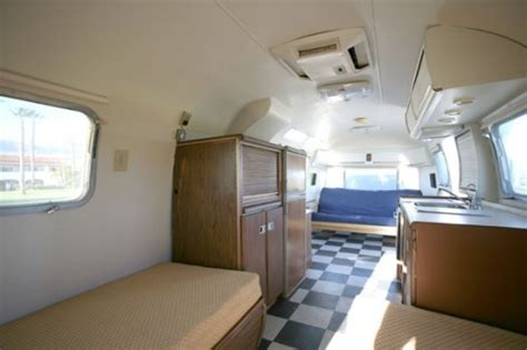 airstream  ft sovereign international land yacht