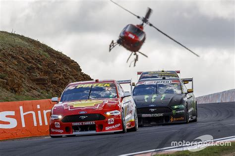 supercars bathurst  session times  preview