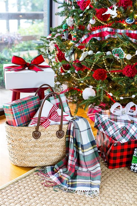 Christmas Decorating Ideas All Through The House  In My. Bathroom Ideas Beach. Ideas For Small Backyards Uk. Bathroom Ideas San Jose. Pictures Of Backyard Landscaping Ideas. Bathroom Ideas With Beadboard. Valentines Ideas Norwich. Makeup Ideas Sock Hop Outfit. Deck Ideas On Pinterest