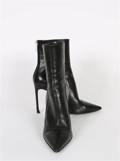 Dior - Black Leather Pointy Toe Ankle Boots 38 | Luxury Bags