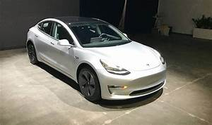 Tesla Model 3 Price : tesla model 3 for sale used electric car emerges but it comes at a price cars life ~ Maxctalentgroup.com Avis de Voitures