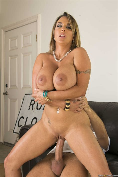 Bosomy Babe Holly Halston Sucks Juicy Dick Standing Nude Gals 1