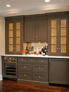 Ideas for painting kitchen cabinets pictures from hgtv for Kitchen colors with white cabinets with yankees wall art
