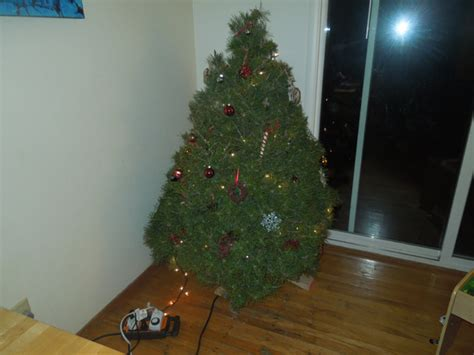 how much is a christmas tree how much does a tree weigh