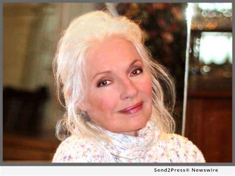 actress jennifer o neill sunlight home annual benefit dinner speaker jennifer o