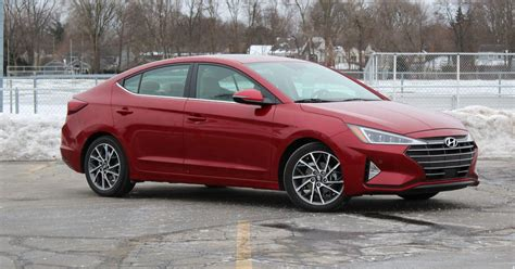 2019 hyundai elantra limited 2019 hyundai elantra review staying relevant in a