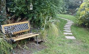 Gartenwege Aus Kies : gartenwege f r den naturgarten von kies bis holzpflaster ~ Watch28wear.com Haus und Dekorationen