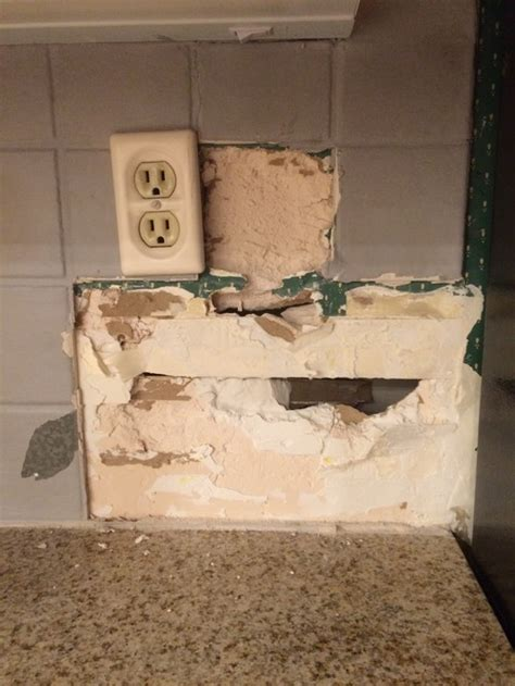 kitchen backsplash removal wrong