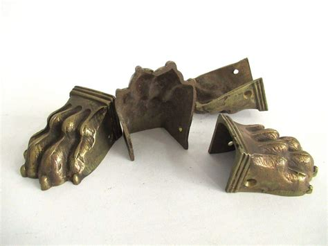 1 (one) Early 1900's Brass Lion Paw, Solid Brass Claw Or Foot, Antique Antique Sofas And Chairs Stores Amarillo Mens Watches Homes For Sale Tractor Values Jewelry Boston Mail Boxes Oak Bookshelves