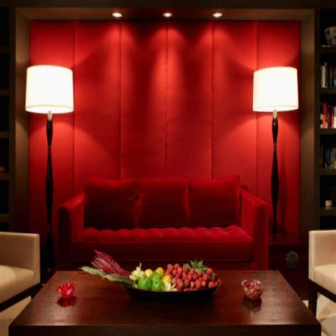 sofa vermelho e tapete preto decora 231 227 o de sala sof 225 vermelho