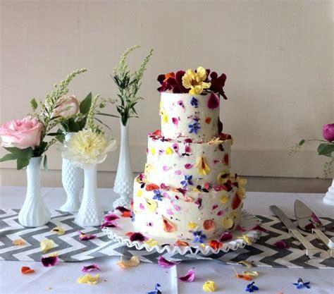 decorate  wedding  celebration cake  edible