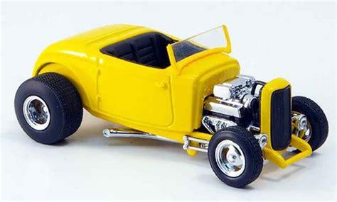 Ford 1932 Street Rod Yellow Blackes Interieur Eagle