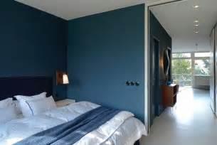 wohnzimmer petrol petrol als farbe die schönsten beispiele