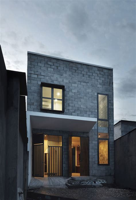 Building A Modern House On A Budget Building A Modern Family Home On A Small Budget Bdhouse