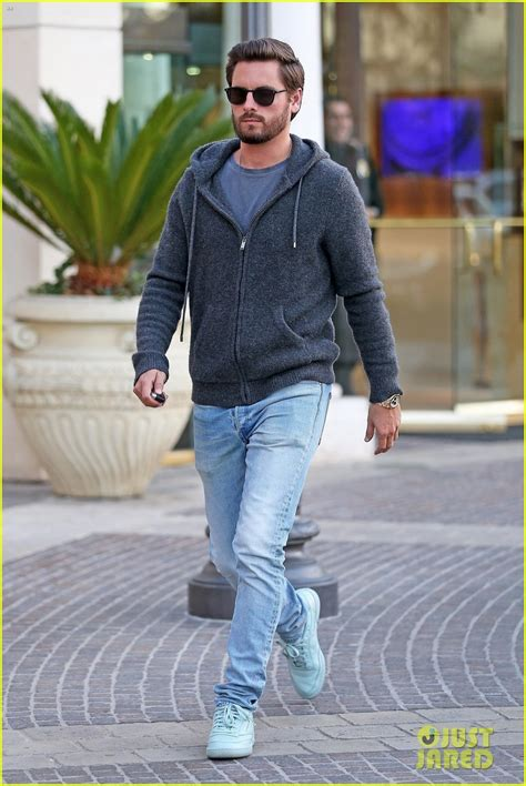 Scott Disick Spends His Afternoon Shopping Calabasas