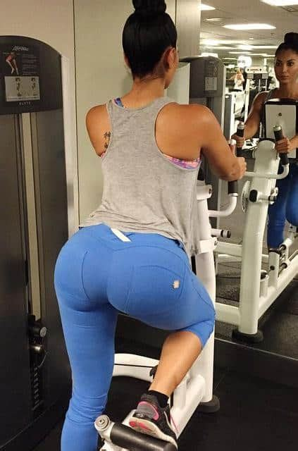 la bella reina s big booty in and out of yoga pants girls in yoga pants