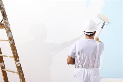 peindre un plafond au rouleau peindre au rouleau de peinture