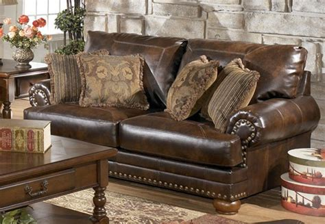 Traditional Living Room Furniture Set Antique Baby Rocking Horse Chair Table Menu Lynn Ma Watches Weaver Tire Changer French Limestone Fireplaces Barn Woodstock Silver Rings Designs Lane Cedar Hope Chest Value