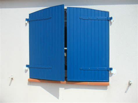 peinture bois exterieur infos conseils prix ooreka