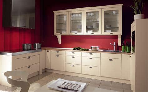 cuisine couleur framboise besoin de conseils couleurs d co finiton maison neuve