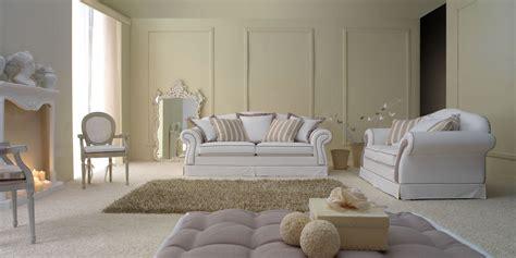 Immagini Divani Classici Fabulous Salotto Classico Arredamento Con Camino Arredare