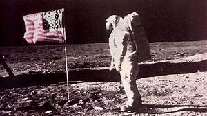 Conspiracy Theorist Convinces Neil Armstrong Moon Landing ...