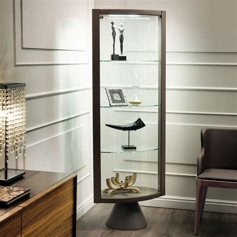 base corner cabinet vetrina angolare con piedistallo saba di cattelan