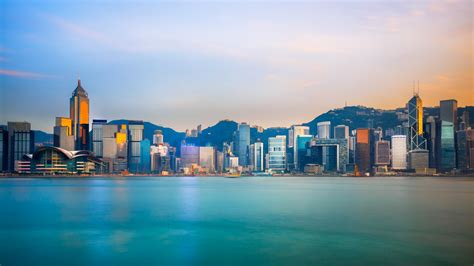 essential travel guide  hong kong infographic