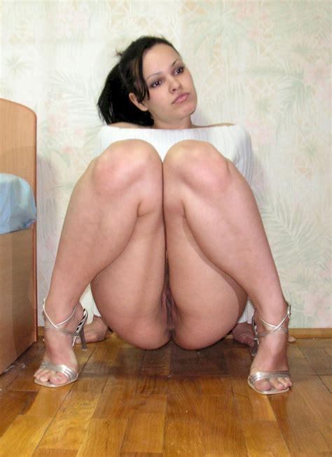 Mariana Linda Puta Squatting Shesfreaky