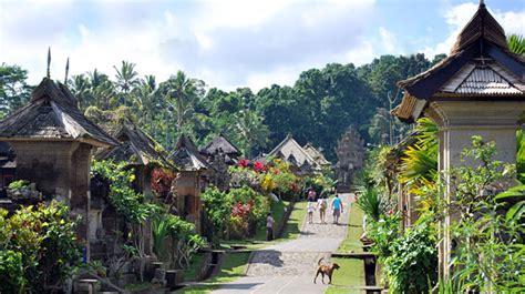 desa wisata panglipuran unik  bertradisi jaringan