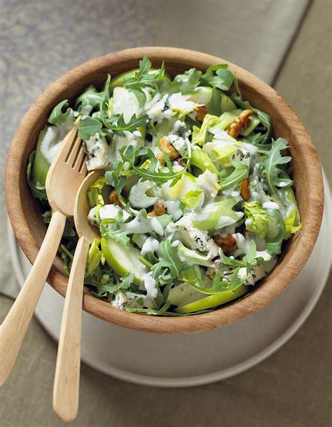cuisine detox salade de chou au céleri et à la pomme verte pour 4 personnes recettes à table