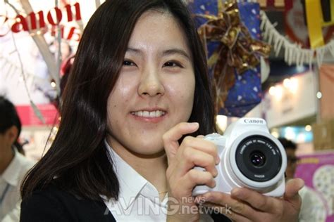[educare 2013] Canon, Doing A Promotion Of Eos 100d