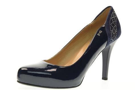 Scarpe e scarpe catalogo