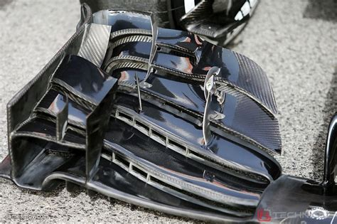 mclaren mp  front wing detail photo gallery