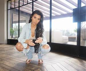 Kourtney Kardashian Flashes Her Cleavage PhotosImages