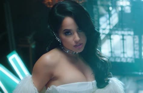 """Becky G Premieres Sexy New Reggaeton Song """"sin Pijama"""" And"""