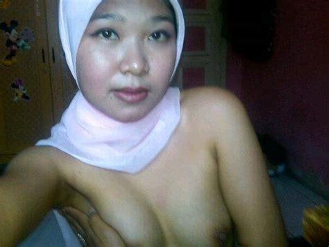 jilbab masturbate