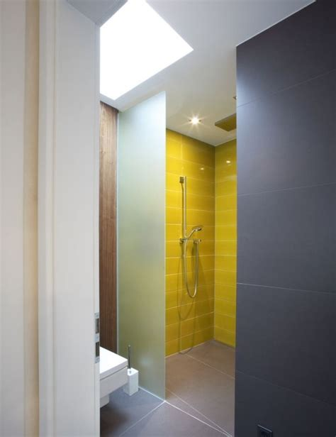 Kleine Bäder Fliesen Bilder by Ideen Kleine B 228 Der Begehbare Dusche Gelbe Fliesen