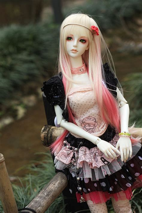 japanese ball jointed doll  life photography noupe