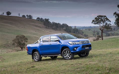 Toyota Hilux 4k Wallpapers by 2015 Toyota Hilux Sr5 Blue Jeep 4k Iphone Wallpaper 4k