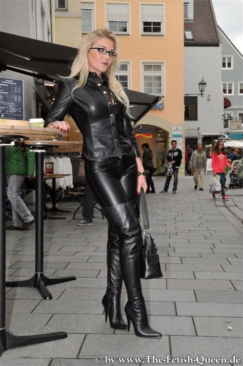 tightshiny leather  twitter heike  leather clad
